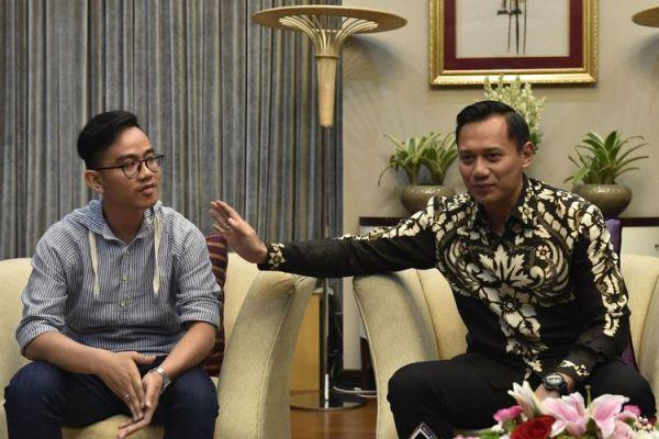 Politik Agus Yudhoyono dan Jokowi